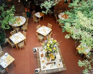 il cortile outside dining